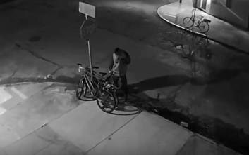 Η ασύλληπτη ιδέα ενός άνδρα για να κλέψει ένα ποδήλατο