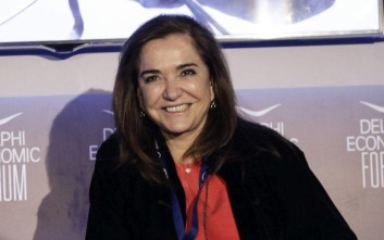 Ντόρα Μπακογιάννη: Τα εγγόνια, η πρώτη χυλόπιτα και η απάντηση του Μητσοτάκη