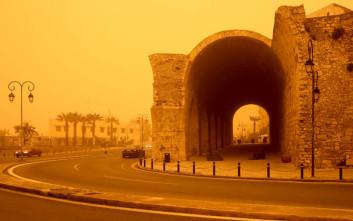 Η αφρικανική σκόνη μετέτρεψε την Κρήτη σε… Σαχάρα