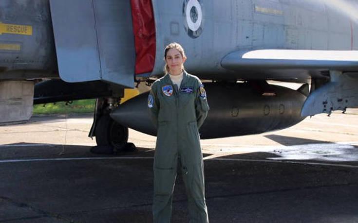 Η ελληνίδα πιλότος που «έφτασε σε επίπεδα σούπερσταρ»