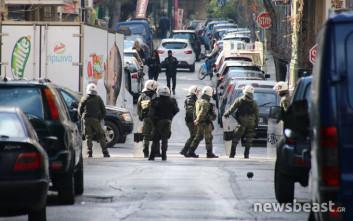 Η επιχείρηση της Αστυνομίας στην κατάληψη στην οδό Ζαΐμη