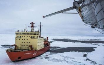 Πλοίο του ναυτικού της Αργεντινής διέσωσε ερευνητές που είχαν εγκλωβιστεί στην Ανταρκτική