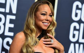 8e685e97bbc6 Η Mariah Carey με διχτυωτό καλσόν και σέξι κορμάκι – Newsbeast