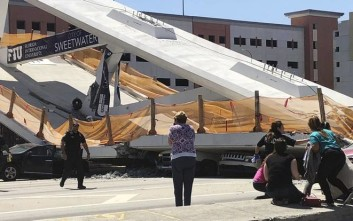 Τραγωδία στο Μαϊάμι στα συντρίμμια από την κατάρρευση της πεζογέφυρας