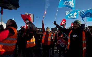 Απεργούν οι εργαζόμενοι στο μεγαλύτερο κέντρο διαλογής της Amazon στην Ισπανία