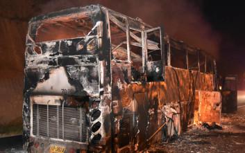 Τραγωδία στην Ταϊλάνδη με είκοσι νεκρούς από φωτιά σε λεωφορείο