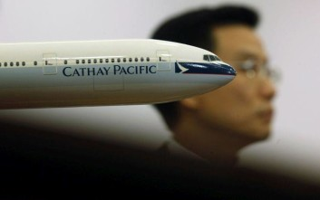 Η Cathay Pacific καταργεί 5.900 θέσεις εργασίας