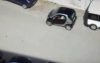 Πόσο δύσκολο είναι να παρκάρεις ένα Smart;
