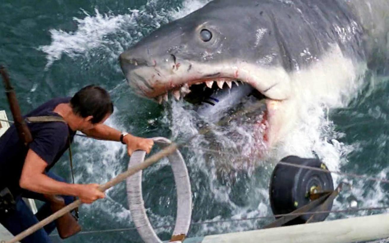 Τα «Σαγόνια του καρχαρία» που μας έκαναν να κοιτάμε με υποψία ακόμα και τις πιο αθώες θάλασσες