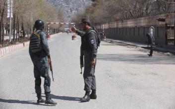 Βομβιστής αυτοκτονίας ανατινάχτηκε στην Καμπούλ, άγνωστος ο στόχος του