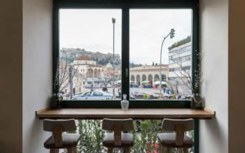 Η νέα άφιξη στο κέντρο της Αθήνας «σερβίρει» το Μοναστηράκι στα… πόδια σας