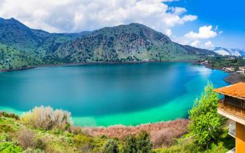 Γαλήνη και ομορφιά που συναρπάζει σε λίμνες της Ελλάδας