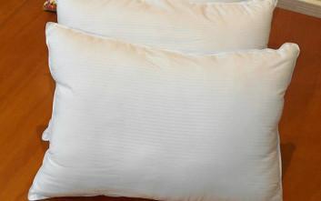 Πώς να καταλάβετε αν το μαξιλάρι σας χρειάζεται αλλαγή