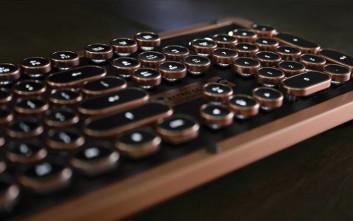 To κομψό πληκτρολόγιο που συνδυάζει το παλιό και το καινούριο