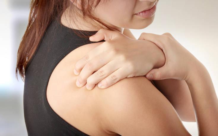 Αντιμετωπίστε τον πόνο στους ώμους χωρίς χειρουργείο