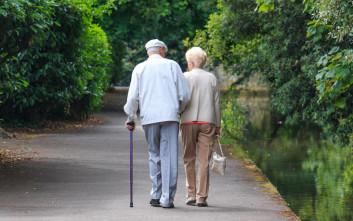 Δημοτικό συμβούλιο αναγκάζει ηλικιωμένο ζευγάρι να ζήσει σε χωριστούς οίκους ευγηρίας