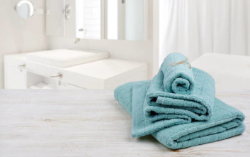 Κάθε πότε πρέπει να αλλάζουμε την πετσέτα του μπάνιου