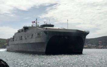 Στη Σύρο έδεσε πλοίο ειδικών επιχειρήσεων των ΗΠΑ