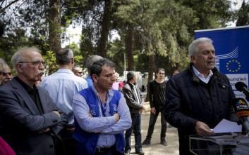 Αβραμόπουλος: Η Κομισιόν θα συνεχίσει να στηρίζει την Ελλάδα στο προσφυγικό ζήτημα