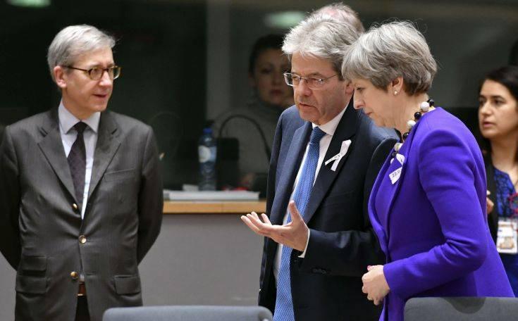 Προειδοποιεί η ΕΕ: Προετοιμαστείτε για κάθε σενάριο Brexit