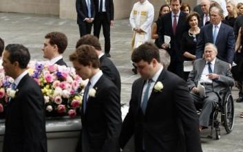 Τέσσερις πρόεδροι των ΗΠΑ «αποχαιρέτισαν» την Μπάρμπαρα Μπους