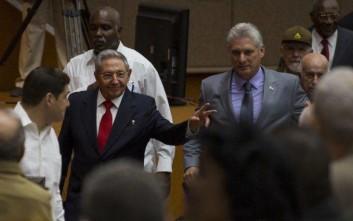 Τέλος μετά από έξι δεκαετίες η εξουσία των Κάστρο στην Κούβα