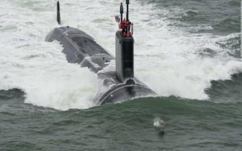 Έξαλλος ο δήμαρχος της Νάπολης με… πυρηνικό υποβρύχιο των ΗΠΑ