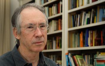 Στην Αθήνα ο βραβευμένος συγγραφέας Ίαν ΜακΓιούαν