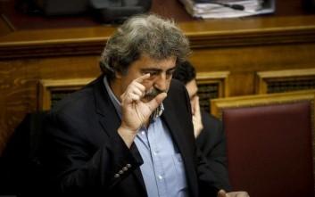 Ο Πολάκης απαντά σε όσους τον κατηγορούν για το κάπνισμα
