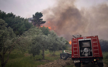 Σε εξέλιξη μεγάλη πυρκαγιά στην Ιεράπετρα