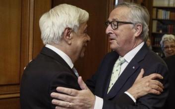 Γιούνκερ σε Παυλόπουλο: Η Ελλάδα έκανε ουσιαστικές μεταρρυθμίσεις
