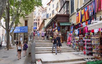 Η Μαγιόρκα βάζει φρένο στην ενοικίαση διαμερισμάτων σε τουρίστες