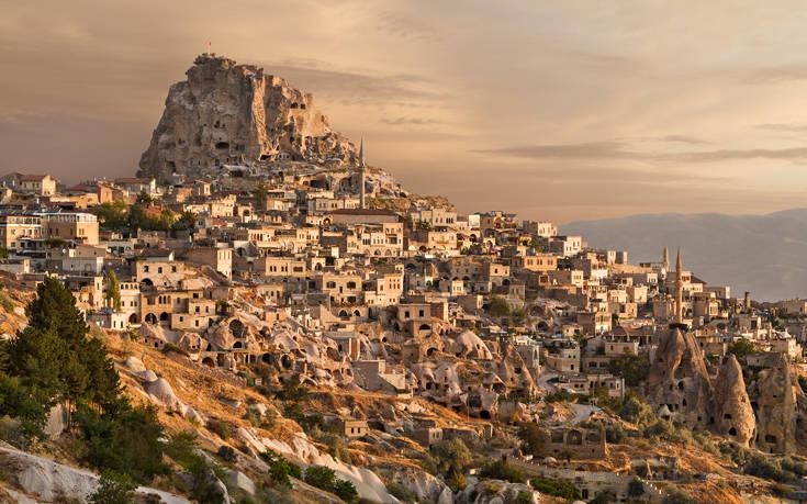 Εκκλησίες λαξεμένες στους βράχους και υπόγειες πολιτείες στην Καππαδοκία