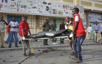 Πολύνεκρη βομβιστική επίθεση στη πρωτεύουσα της Σομαλίας