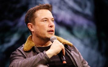 Ο Elon Musk μοιράζεται το μυστικό της παραγωγικότητας στη δουλειά