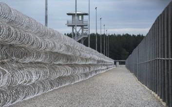 Επτά νεκροί από συμπλοκές σε φυλακή στις ΗΠΑ