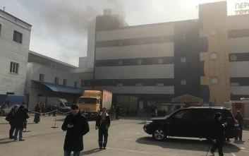 Ξεκινούν έρευνα για την πυρκαγιά στο εμπορικό κέντρο της Μόσχας