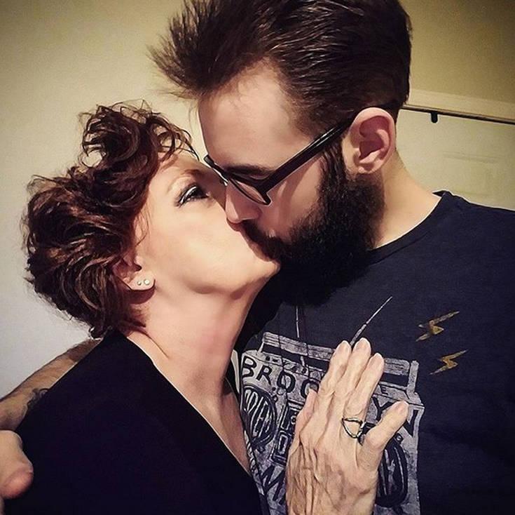 40 χρονών άντρας dating 55 έτος γριά γυναίκα