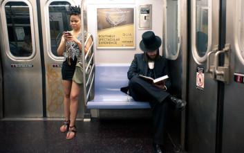 Τον τράβηξε κρυφά φωτογραφίες με το κινητό στο μετρό αλλά την εξέλιξη δεν την περίμενε