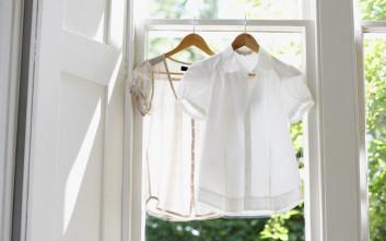 Πώς φεύγουν τρεις συνηθισμένοι λεκέδες από λευκά ρούχα
