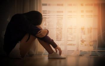 Δεκατετράχρονη πήδηξε από το παράθυρο γιατί οι γονείς της δε την άφησαν να πάει σε πάρτι