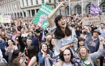 Το «ναι» των Ιρλανδών στις αμβλώσεις, αποδοκιμασία για την καθολική εκκλησία