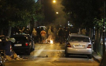 Επεισόδια και συμπλοκές το βράδυ στο κέντρο της Αθήνας