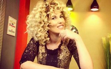 Ποια είναι η δημοσιογράφος από την Αλβανία που στρίμωξε το Νότη Σφακιανάκη