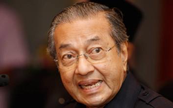 Για «ένα-δυο χρόνια» θα μείνει στην εξουσία ο 92χρονος πρωθυπουργός της Μαλαισίας