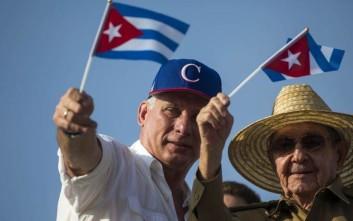 Στο πλευρό του νέου ηγέτη της Κούβας ο Ραούλ Κάστρο κατά τις εκδηλώσεις για την Πρωτομαγιά