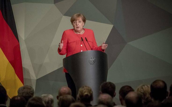 Θετική στην αύξηση των στρατιωτικών δαπανών η Μέρκελ