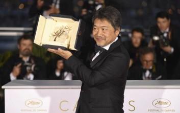 Στο «Shoplifters» του Ιάπωνα Χιροκάζου Κόρε ο Χρυσός Φοίνικας