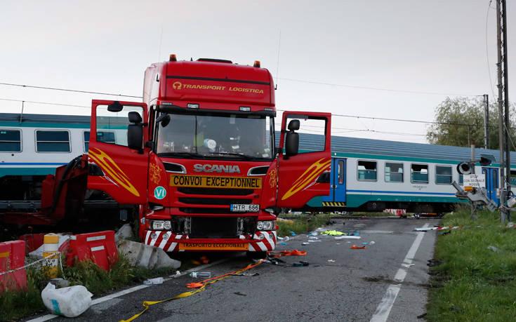 Δύο νεκροί και δώδεκα τραυματίες στο σιδηροδρομικό δυστύχημα της Ιταλίας