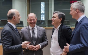 Τρεις οικονομολόγοι κρίνουν τη συμφωνία στο Eurogroup για την Ελλάδα